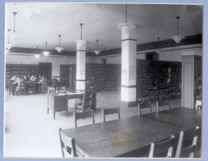 Chemistry Library in Noyes Laboratory (post-April 1916)